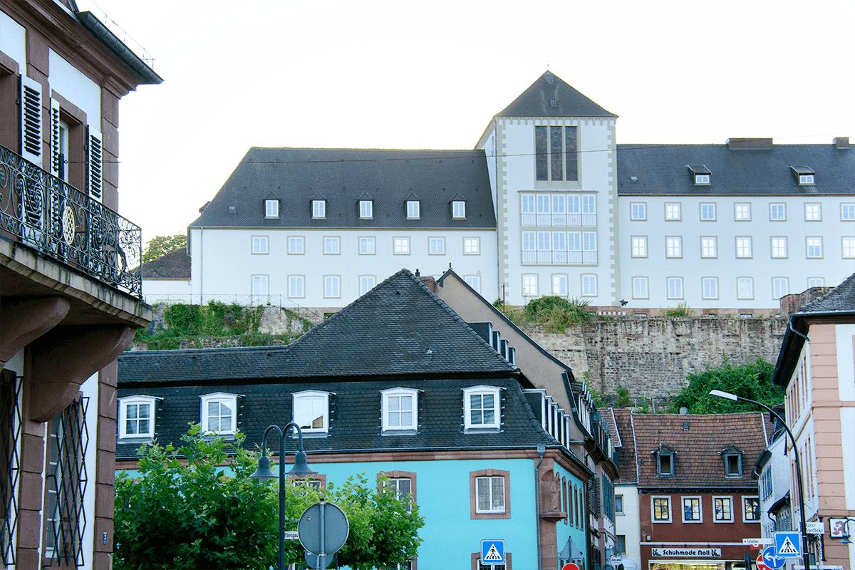 Altstadt Schlossmauer Schloss Blieskastel