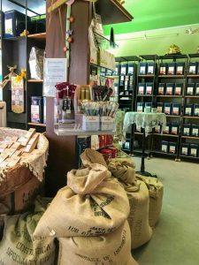 Blick in den Kaffee und Teeladen Blieskastel